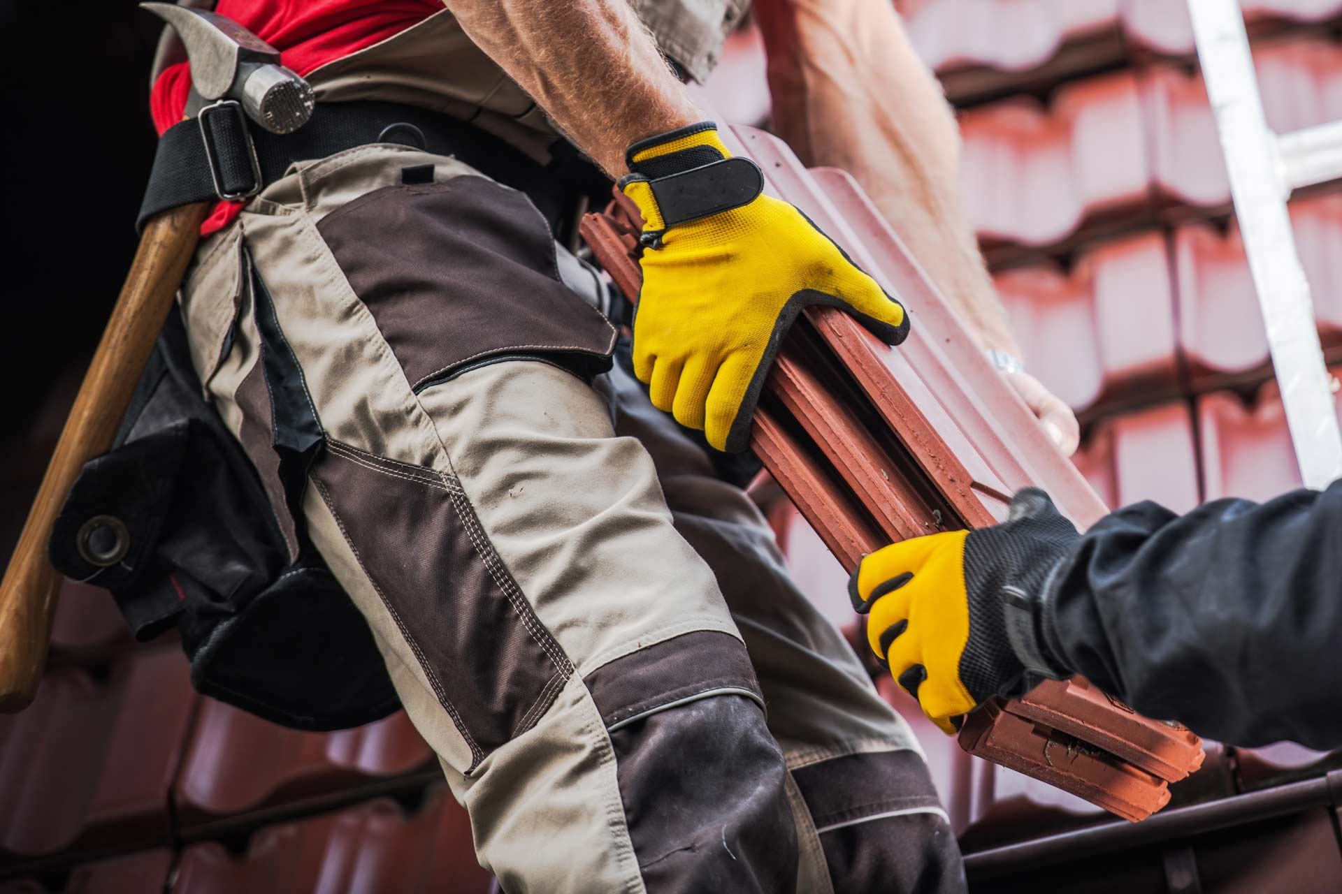5 Tips to Follow When Choosing a Commercial Roofer for Your Property