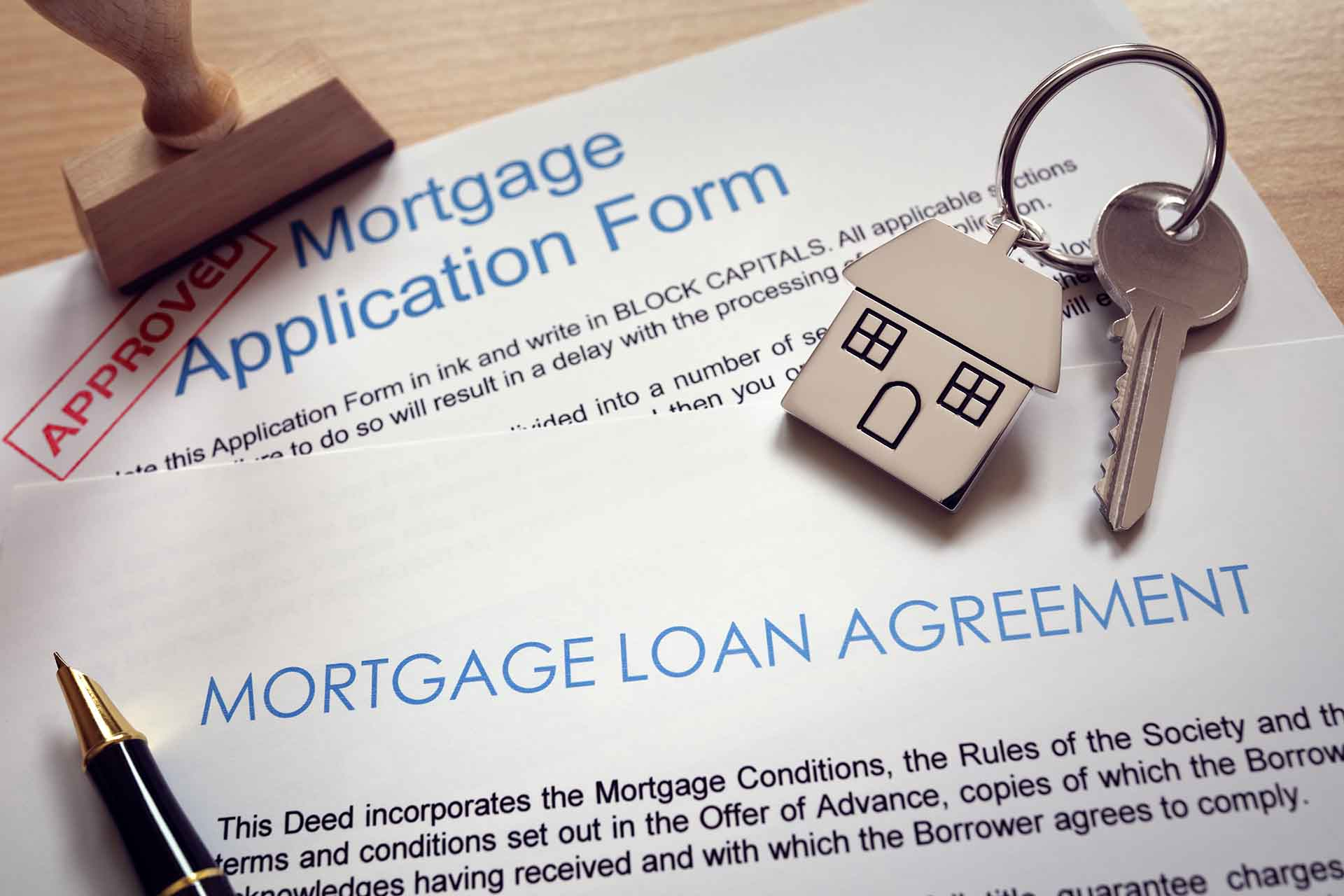 How does credit card debt affect a mortgage application?